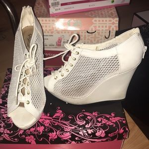 Shoes - White heel wedges